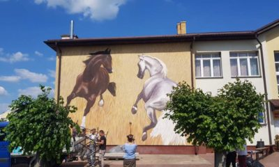 Mural na stulecie urodzin profesora Ludwika Maciąga na ścianie Miejskiego Ośrodka Kultury w Janowie Podlaskim